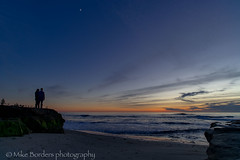 Couple enjoying horseshoe sunset small (borders92109) Tags: lajolla california sandiego beach ocean sunset waves sky sony a7ii rokinon 20mm f18