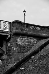 An der alten harburger Elbbrücke / At the Old Harburg Elbe Bridge (Lichtabfall) Tags: bridge blackandwhite bw monochrome blackwhite hamburg sw schwarzweiss brücke elbe einfarbig süderelbe br죫e