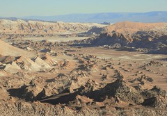 The Valle de la Luna, on the edge of the Atacama Desert (Ruby 2417) Tags: landscape scenery lunar rock rocky dry desert chile atacama antofagasta valley de la luna muerte awesome mirador achaches rockscape arid salt mountain mountains sal