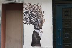 Mélanie Busnel_8153 rue Papillon Paris 09 (meuh1246) Tags: streetart paris mélaniebusnel ruepapillon paris09 enfant