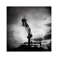 La Ciotat (Boris Dumont) Tags: bw film analog holga lomo toycamera kodaktrix analogphotography bwphotography alternativeprocess filmisnotdead lomophotography analogique photographieanalogique ishootfilm