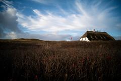 Haus am Meer (Chris Buhr) Tags: sylt landschaft landscape nature düne himmel sky dunes nordsee deutschland germany leica sl2 summaron 28mm