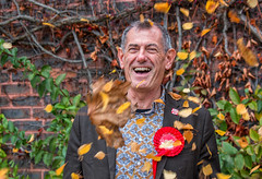 UK Election - Getting the message out.... (Patricia Wilden) Tags: streetphotography cliffwaterman urban ipswich labour eos70d ukelections electioneering 55250mm autumnleaves politics ©patriciawilden2019 suffolk town