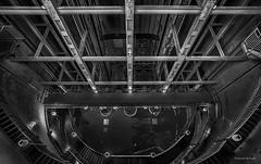 Hamburg - Alter Elbtunnel - St. Pauli-Elbtunnel (sw) (Pana53 - the photographer) Tags: photographedbypana53 pana53 stpaulielbtunnel alterelbtunnel norderelbe hamburg architektur nostalgisch einblick treppen fahrstuhl personen pkw nikon nikond810