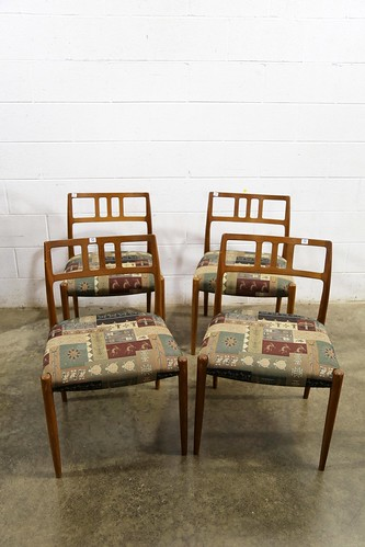 Set of 4 Upholstered Mid-Century Modern Chairs ($291.20)