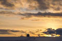 Fire Sky (CoolMcFlash) Tags: sky cloud nature landscape winter house waldviertel austria loweraustria weather dusk himmel wolken natur wetter landschaft haus niederösterreich österreich abend zwielicht fotografie photography snow schnee fujifilm xt2 xf18135mmf3556r lm ois wr su sun sonne sunlight light licht