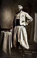 pose du Zouave vainqueur à Ludwigsbourg en 1918... Collection Reynald ARTAUD (Reynald ARTAUD) Tags: 1918 première guerre mondiale ludwigsbourg zouave vainqueur pose collection reynald artaud