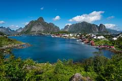 Le village de Reine dans les îles Lofoten (Norway) (christian.rey) Tags: nordland norvège lofoten island îles insel reine paysage landscape seascape sony a7r2 a7rii alpha 1635