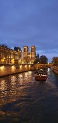 149 Paris Novembre 2019 - la Seine au Pont Saint-Michel (paspog) Tags: paris france novembre november 2019 saintmichel seine rivière fleuve fluss river notredame notredamedeparis cathédrale cathedral kathedrale katedral