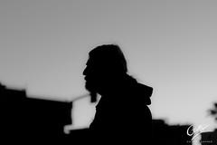 Hitchcock urbano (Giotty - Photographer) Tags: hitchcock città bw city silhouette pensieri tramonto sunset thoughts film strada street cielo skye