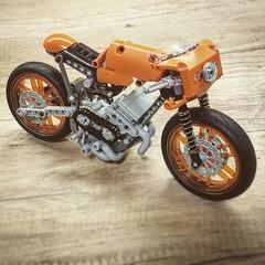 Updated Café Racer (MOC) (hajdekr) Tags: caféracer technic legotechnic moc myowncreation update updated shockabsorber racer racing