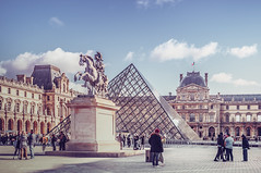 Musée du Louvre (Ro Cafe) Tags: paris louvre autumn travel architecture city cityscape urban nikkor2470mmf28 sonya7iii