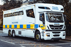 Metropolitan Police - 2019 Iveco Horse Carrier (FrogFootTV) Tags: metropolitanpolice londonpolice ivecostralis ivecostrallis gk69obe metpolice londonmetropolitanpolice emergencyvehicles police polizei policja politi polis politie policia londonemergencyvehicles policecars policevehicle policetruck