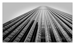 Chicago's buildings...Vertigo (Jean-Louis DUMAS) Tags: chicago abstract architecture architect abstraction lignes abstrait architecte géométrique bw white black building art artist noir noiretblanc photos nb blanc bâtiment artiste artistique noireblanc blackandwhite tower blackwhite tour mat maniac noirblanc noretblanc blackwhitephotos vertige