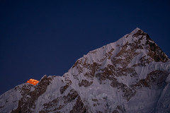 Last Light on Earth (Ian Hearn Photography) Tags: last day days light falls mount everest while nupste rise rises fore ground foreground solukhumbu kalapathar nepal region eastern nepals snow ice peak orange glow earth earths highest mountain point roof world