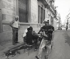 Streets of Havana - Cuba (IV2K) Tags: havana habana lahabana cuba cuban kuba caribbean cubano xtol selfdeveloped havanacuba blackandwhite bw analogue trix kodaktrix kodakfilm mamiya mamiya7 mamiya7ii mediumformat 120film 120 kodakxtol street ishootfilm istillshootfilm staybrokeshootfilm