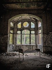 Shake the disease (baumfinder) Tags: abandoned verlassen decay verfall beelitz heilstätten sanatorium urbex urbanexploration