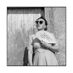armelle 5 • gevrey-chambertin, burgundy • 2019 (lem's) Tags: armelle woman femme modele pinup fan eventail house maison urbex ruin ruine vineyard vignoble bourgogne burgundy gevreychambertin zenza bronica vintage 50s