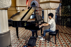 QVB Piano Man (Photos By Dlee) Tags: sonyalphaa7iii sonya7iii sonya73 sony sonyalpha mirrorless fullframe fullframemirrorless sonyfe35mmf18 sony35mmf18 35mm prime primelens bokeh bokehlicious photo photosbydlee photography australia sydney newsouthwales nsw spring urban street candid streetphotography piano