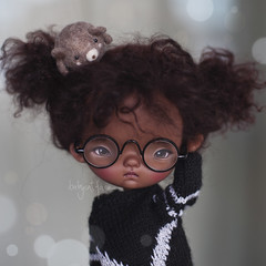 Toffee says she's got something on her hair (_babycatface_) Tags: doll dollphotography dollcustom dollrepaint ododo odododoll ooak ooakdoll toy toyphotography repaint repainted d
