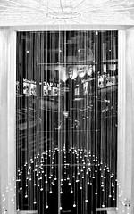 Lyon  -  Lustre du hall d'entrée de l'ancien garage Citroën (Gilles Daligand) Tags: lyon rhone garage citroen hall lustre