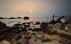 Sunset point landscape, Kanyakumari. (draskd) Tags: kanyakumari sunsetpoint sunset sunsetlight landscape rocks sea seascape ocean seashore waves fabulouslight evening photoshoot nikon7100 lightscape water waterscape beach kanyakumaribeach draskd wide ultrawide tamilnadu india shore