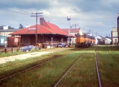 Edgerton, Wisconsin 1972 (sdl39hogger) Tags: themilwaukeeroad madisondivision emd electromotivedivision gp35 edgerton wisconsin lonniemaves depot trainstation