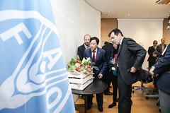 12193s9557 (FAO News) Tags: fao headquarters rome italy signing agreement centroagroalimentarediroma car mercatigenerali generalmarkets directorgeneral qu