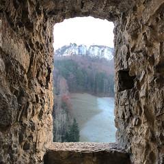 View ... (Rosmarie Voegtli) Tags: zullwil solothurn jura schweiz svizzera suisse switzerland schloss castle ruine gilgenberg durchblick view frame walls mauer mur