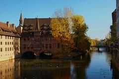 Nuremberg (Jurek.P2 - new account) Tags: norymberga nuremberg pegnitz river architecture oldtown szpitalśwducha holyspirithospital rzeka autumn jesień germany niemcy jurekp2 sonya77