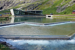 Visitorcentre Trollstigen (NO) (♥ Annieta ) Tags: annieta juli 2019 holiday vakantie vacances scandinavië camper reis voyage travel noorwegen norway trollstigen bezoekerscentrum visitorcentre berg mountain allrightsreserved usingthispicturewithoutpermissionisillegal