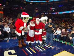 Game_11_Pistons_00011 (Moondog Mascot) Tags: pistons cavs clevelandcavaliers 12032019 moondog santa