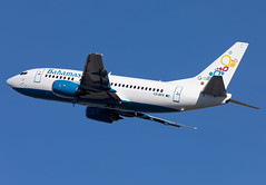 C6-BFE Bahamasair B735 (twomphotos) Tags: plane spotting mia kmia rwy27 departure climbout blue sky aircraft bahamasair boeing b735