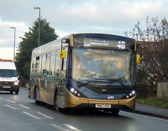 SN67XDS (47604) Tags: sn67xds 26223 stagecoach gold bus