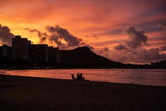 The Earth Says Hello (Errol_S) Tags: famousplace honolulu tropical island sky gorgeous 50mmsummilux leicam10p oahu color beach waikiki pacific morning sunrise diamondhead hawaii