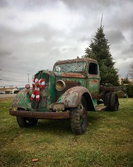Merry Rustmas! (arrjryqp6) Tags: stateofdecay decay decaying roadsidefinds transportation christmasdecorations vintage oldtruck old rusting rust