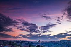 Daybreak (Rita Eberle-Wessner) Tags: switzerland himmel sky schweiz city stadt hauptstadt capital bern bundeshaus dämmerung morgendämmerung dawn morgenrot gebäude building architecture architektur regierungssitz bundesversammlung nationalrat ständerat neorenaissance clouds wolken