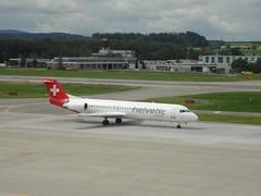 Fokker F100 Helvetic Airways HB-JVE, Zürich Flughafen (22burriy) Tags: zürichflughafen schweiz hbjve helveticairways fokker f100