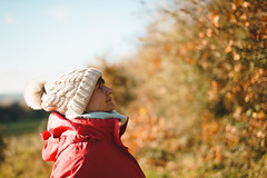 *** (Lee|Ratters) Tags: sony a7 voigtlander cv40 40mm f12 natural light outdoors nature portrait lifestyle autumn woolly hat red