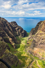 _5D39016 (dendrimermeister) Tags: kauai hawaii napali cliff canyon helicopter chopper aerial color landscape scenery