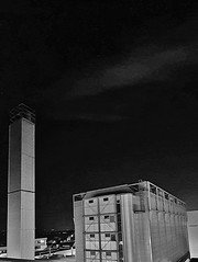 IMG_20191205_013438 Cold Night and hot steam (eagle1effi) Tags: s10nightshot s10samsung bonlandenfilderstadt hermapaperplant dampf steam turm kesselhaus