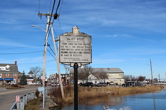Massachusetts Bay Colony Tercentenary Commission Marker – Satuit Brook (Stephen St-Denis) Tags: massachusettsbaycolonytercentenarycommissionmarkershistoricalmarker satuitbrook scituate massachusetts plymouthcounty