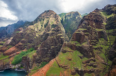_5D39027 (dendrimermeister) Tags: kauai hawaii napali cliff canyon helicopter chopper aerial color landscape scenery