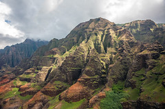 _5D39032 (dendrimermeister) Tags: kauai hawaii napali cliff canyon helicopter chopper aerial color landscape scenery