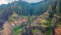 _5D39058 (dendrimermeister) Tags: kauai hawaii napali cliff canyon helicopter chopper aerial color landscape scenery