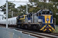 Hired locos T376+T373+X31 lead Qube Logistics #9571 Melbourne to Dandenong cement train. 5/12/2019 (Amateur-Hour Photography) Tags: qubelogistics qube qubefreight australiantrains victorianrailways diesel diesels locomotive locomotives train trains trenes railroad railways railway x31 t376 t373 cementtrain nikon nikond610 mynikonlife d610 cfcla