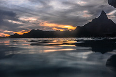 BORA BORA BEFORE SUN VANISHES (SAFIRE PHOTO) Tags: borabora polynesia sunset reflection clouds coasts seascapes water landscapes mountains nikon