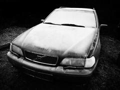 Cold (shortscale) Tags: eis reif winter auto volvo v70 schwarzweiss blackandwhite noiretblanc monochrome buw