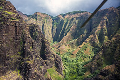 _5D39020 (dendrimermeister) Tags: kauai hawaii napali cliff canyon helicopter chopper aerial color landscape scenery