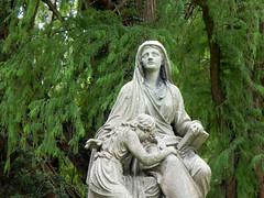 Cry to Heaven (Pandora-no-hako) Tags: springgrove cemetery cincinnati ohio 2019 grave tomb graveyard tombstone eternalmourner sculpture art